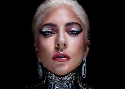Lady Gaga presenta línea de maquillaje