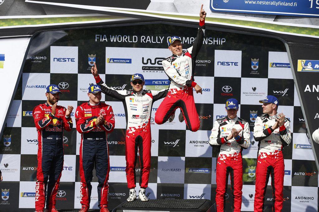 Toyota WRC en el podium