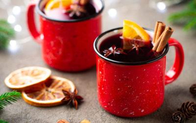 Glühwein o vino caliente especiado para las fiestas