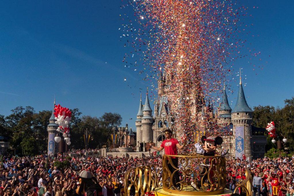 el MVP del Super Bowl va a Disney World