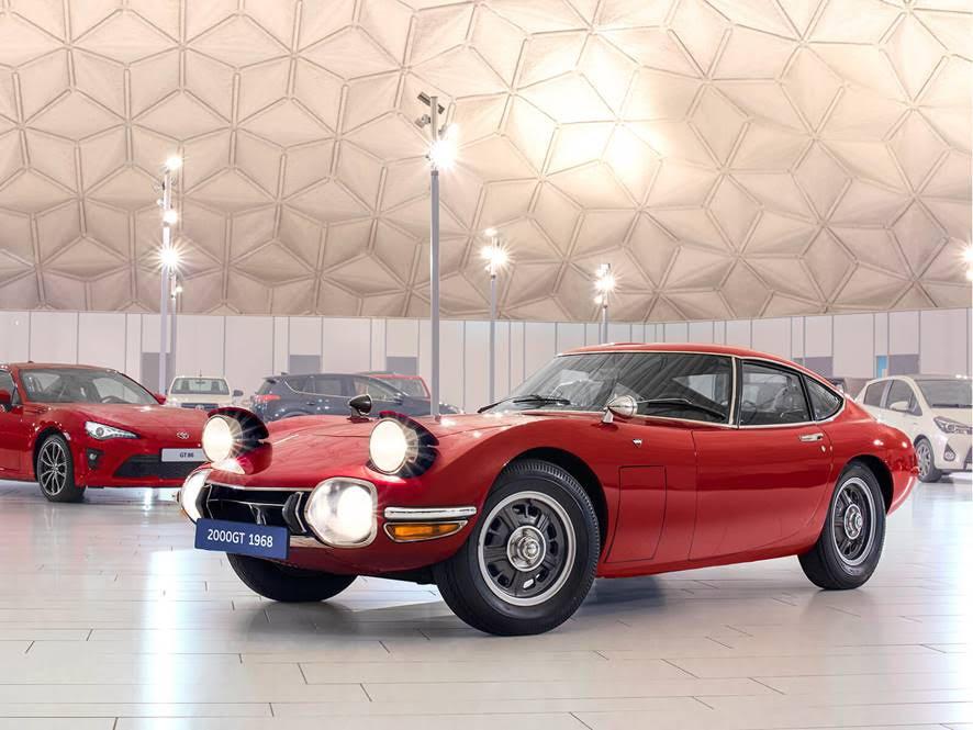 Autos Toyota de película / Bond