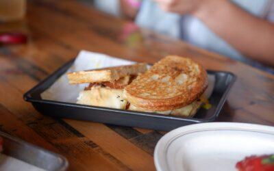 Receta de sándwich de cuatro quesos al sartén