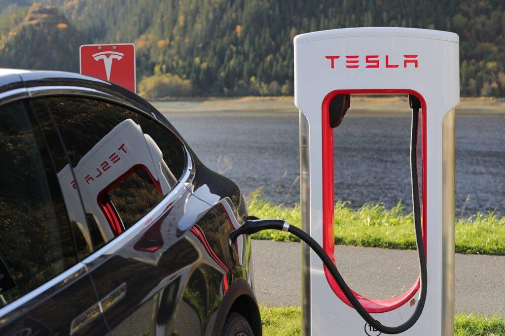 Tesla es la automotriz más valiosa