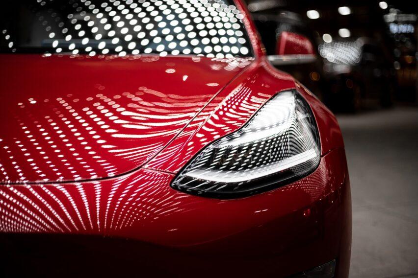 Tesla es la automotriz más valiosa, supera a Toyota