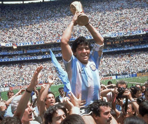 Maradona murió, celebramos su carrera con datos