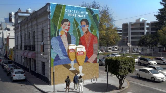 Óscar Torres y Stella Artois crean mural de malta