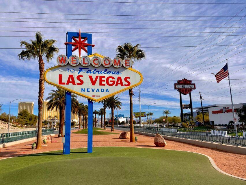 Las Vegas reabre puertas de shows y restaurantes