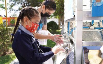 Starbucks y Planet Water llevan agua a comunidad